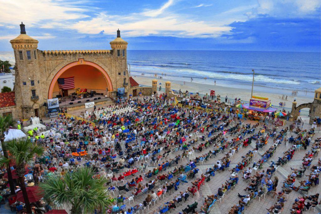 Daytona_Beach_Oceanfront_Bandshell_cx_76a89f36-2415-4a83-b498-e1f151497d5c