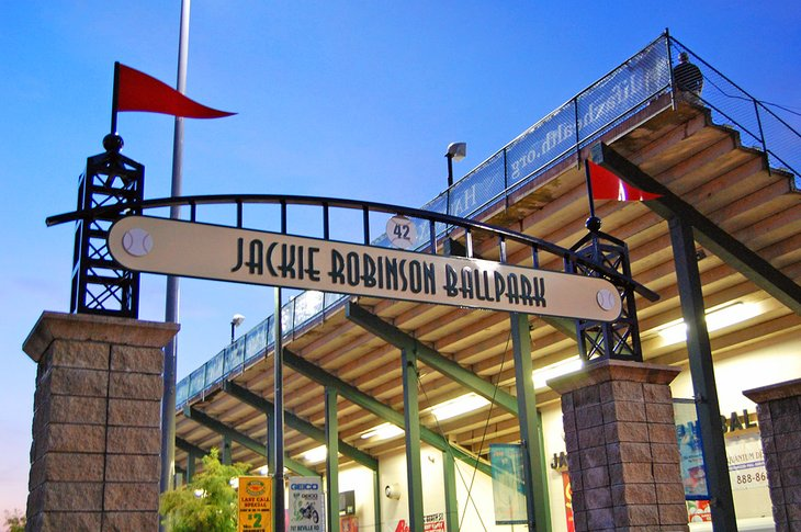 florida-daytona-beach-top-attractions-jackie-robinson-ballpark